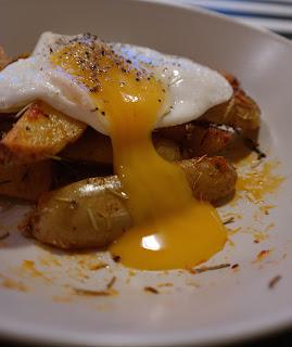 Ziemniaczki i jajko, prosty pyszny obiad !