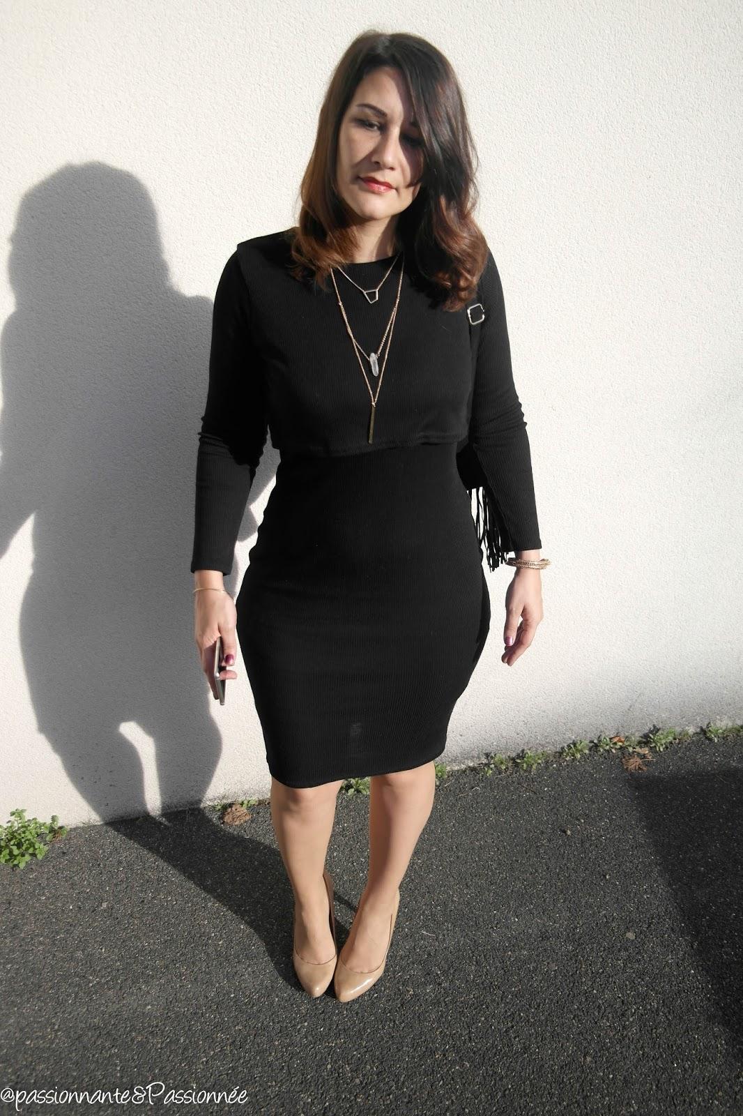 Ronde : La robe noire mi longue