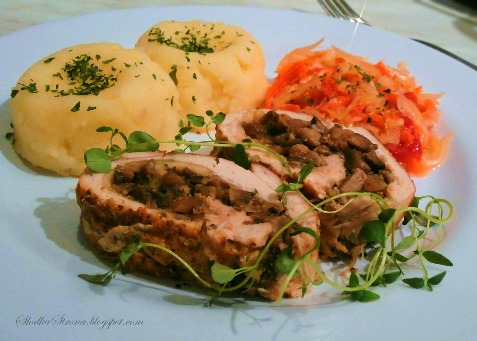 Rolada z Kurczaka z Pieczarkami - Przepis - Słodka Strona