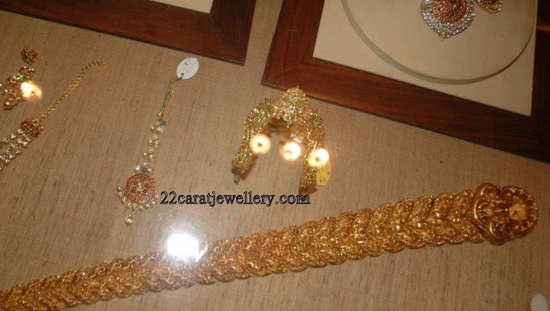 Nagavalli Krsala Antique And Kundan Necklace Sets Gallery