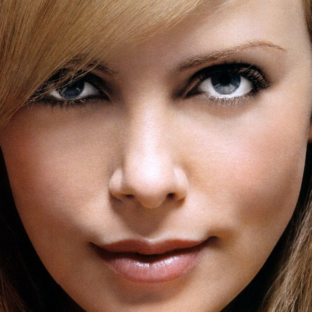 charlize theron charlize theron eyes