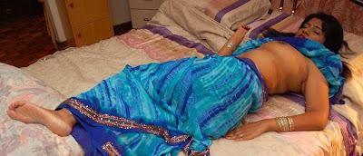 Mallu Aunty Without Blouse Photos indianudesi.com