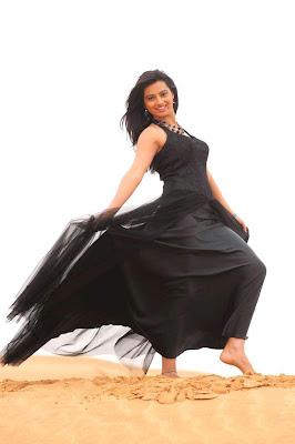Actress Isha chawla Hot Stills