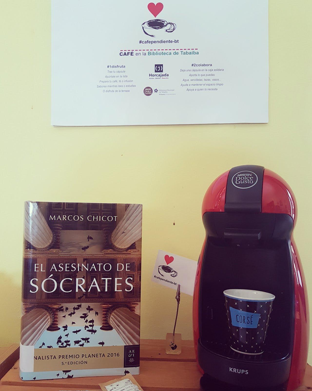 Café pendiente en la Biblioteca