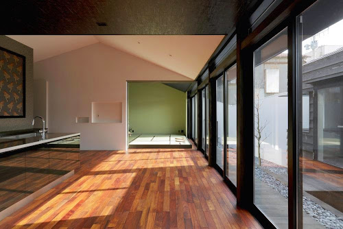 Colors House by CUBO Design Architect