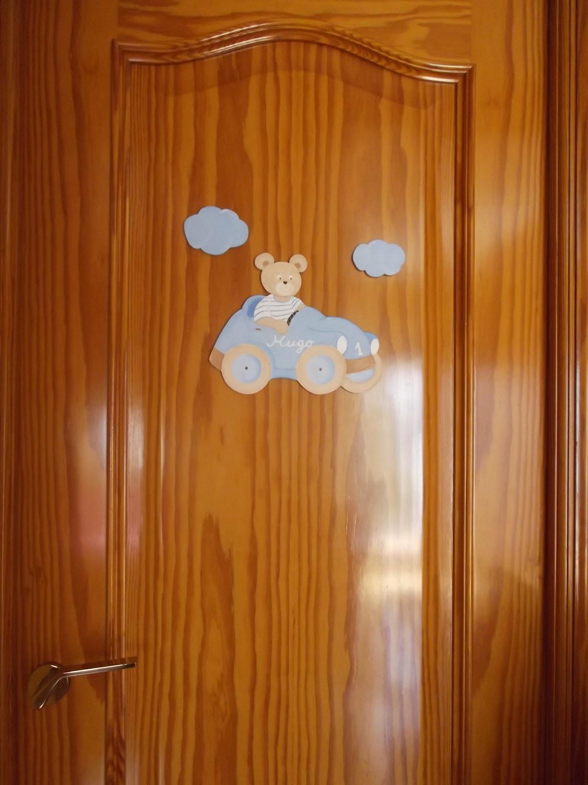 Decoraci n infantil pekerines siluetas con nombre para for Colgadores para puertas
