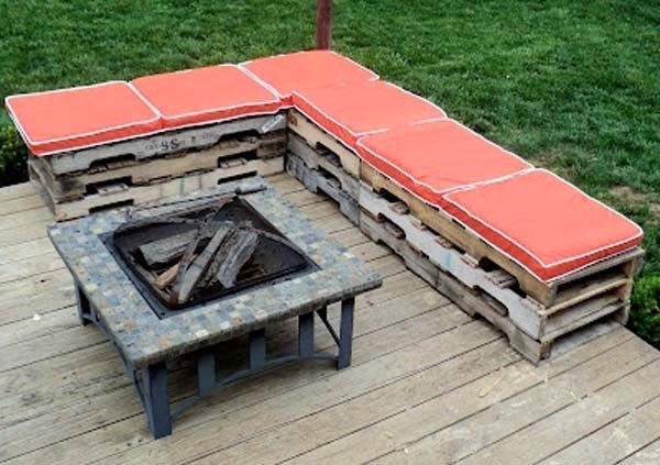 Do It Yourself Backyard Ideas these 14 diy projects using cinder blocks are brilliant 26 Build An Extra Seating Area By Using Cheap Pallets These 29