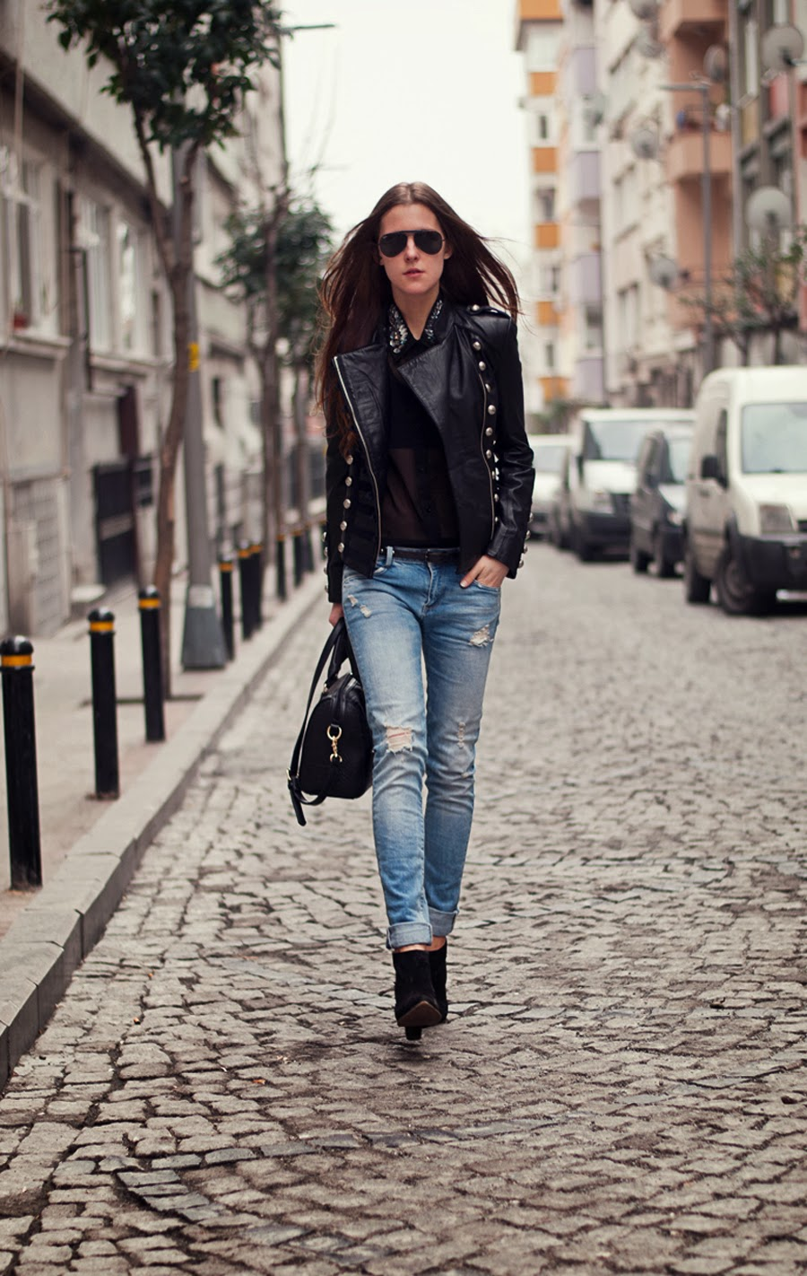 stretstyle spring 2014, leather jacket outfit, boda skins leather jacket, russian fashion blogger, istanbul streetstyle, zara  denim, boyfriend jeans outfit, ray ban aviators black, long hair , military style outfit,