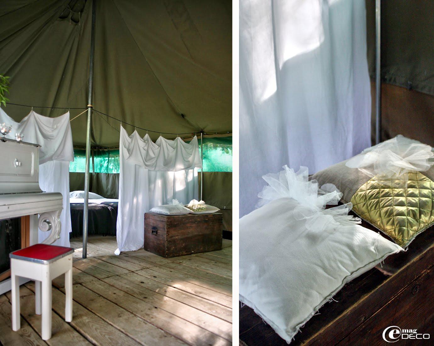 Rideaux et coussins apportent un confort chic au grandes tentes fu Camping Les Ormes