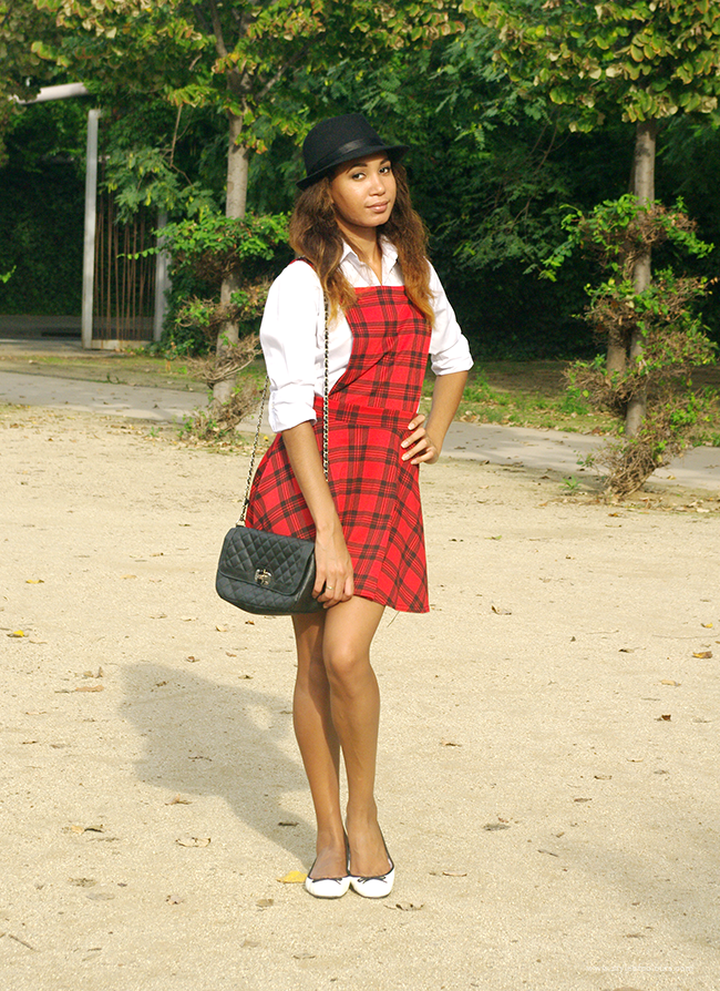 Styling a tartan pinafore for early Autumn