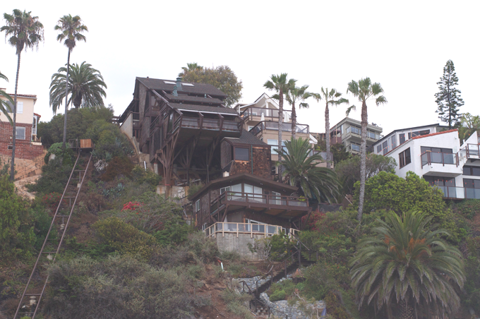 Beach_cliff_homes