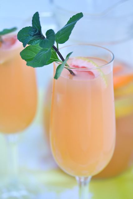 Your Southern Peach: Weekend Cheers: Citrus Sangria