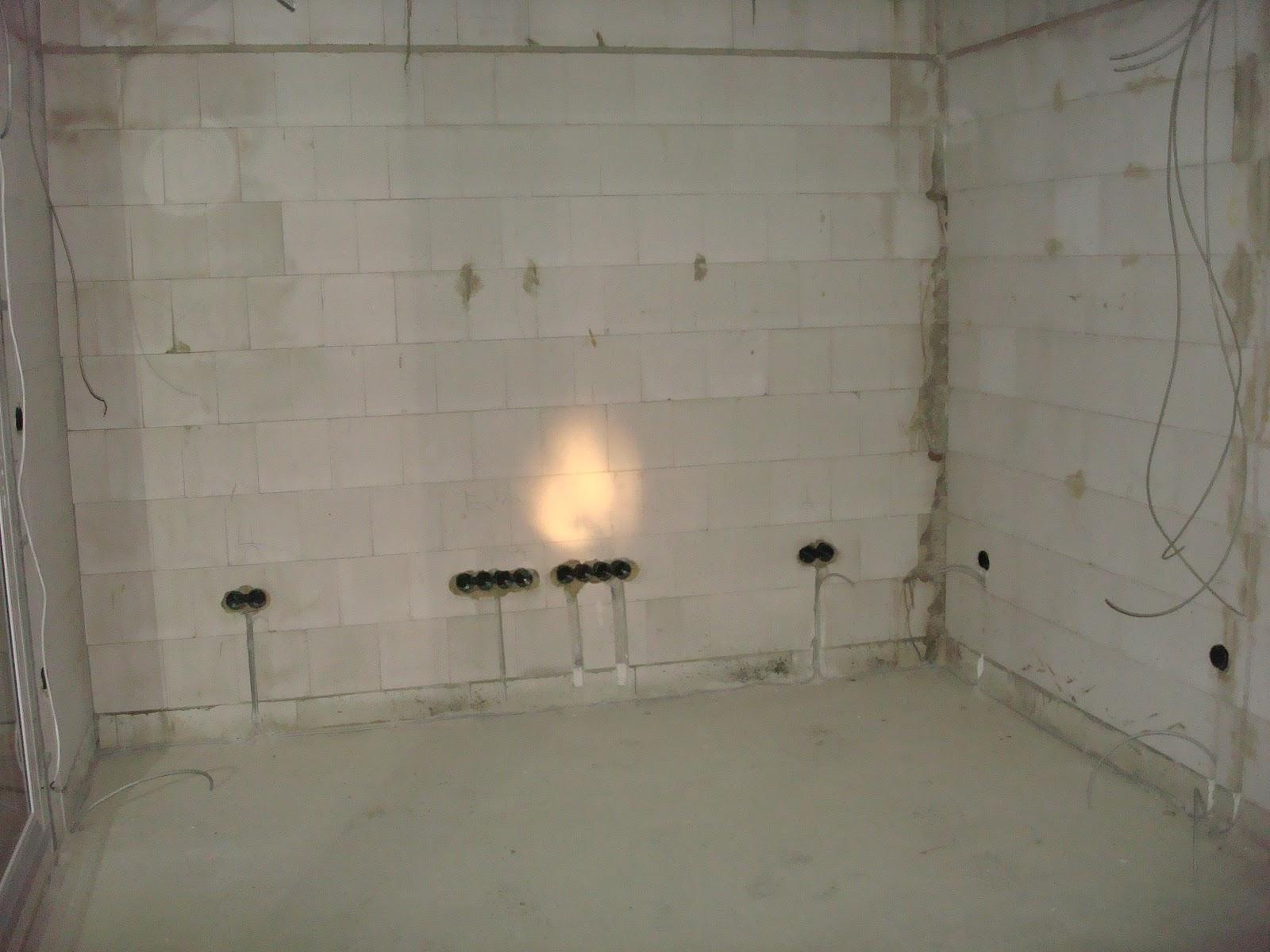 MuiMui-Haus: Elektroinstallation hat begonnen