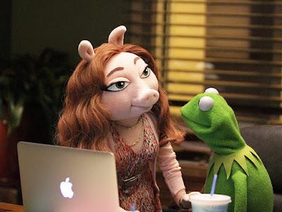 the-muppets_denise-gustavo-kermit