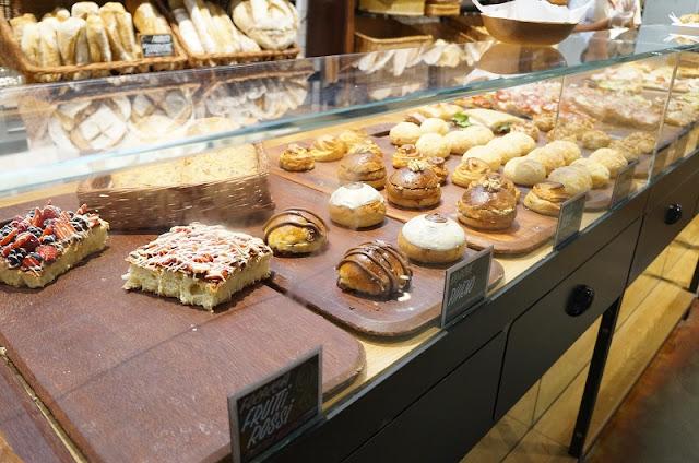 Eataly SP: pães diversos da Panetteria.