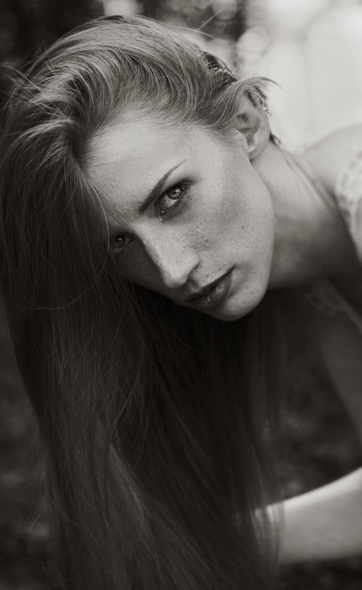 Beautiful Black and white Portrait Jillian xenia