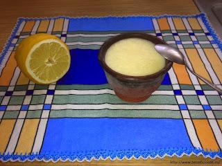 Helado de mousse de limón