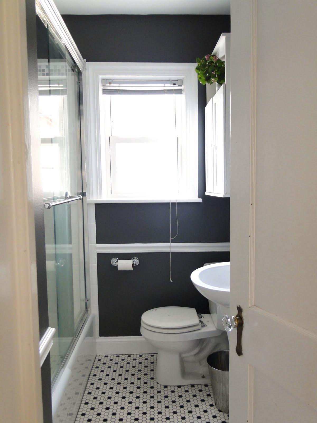 Gray bathroom 1
