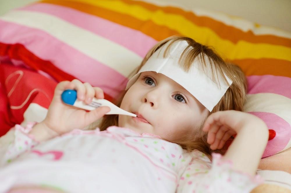 gambar anak lagi demam