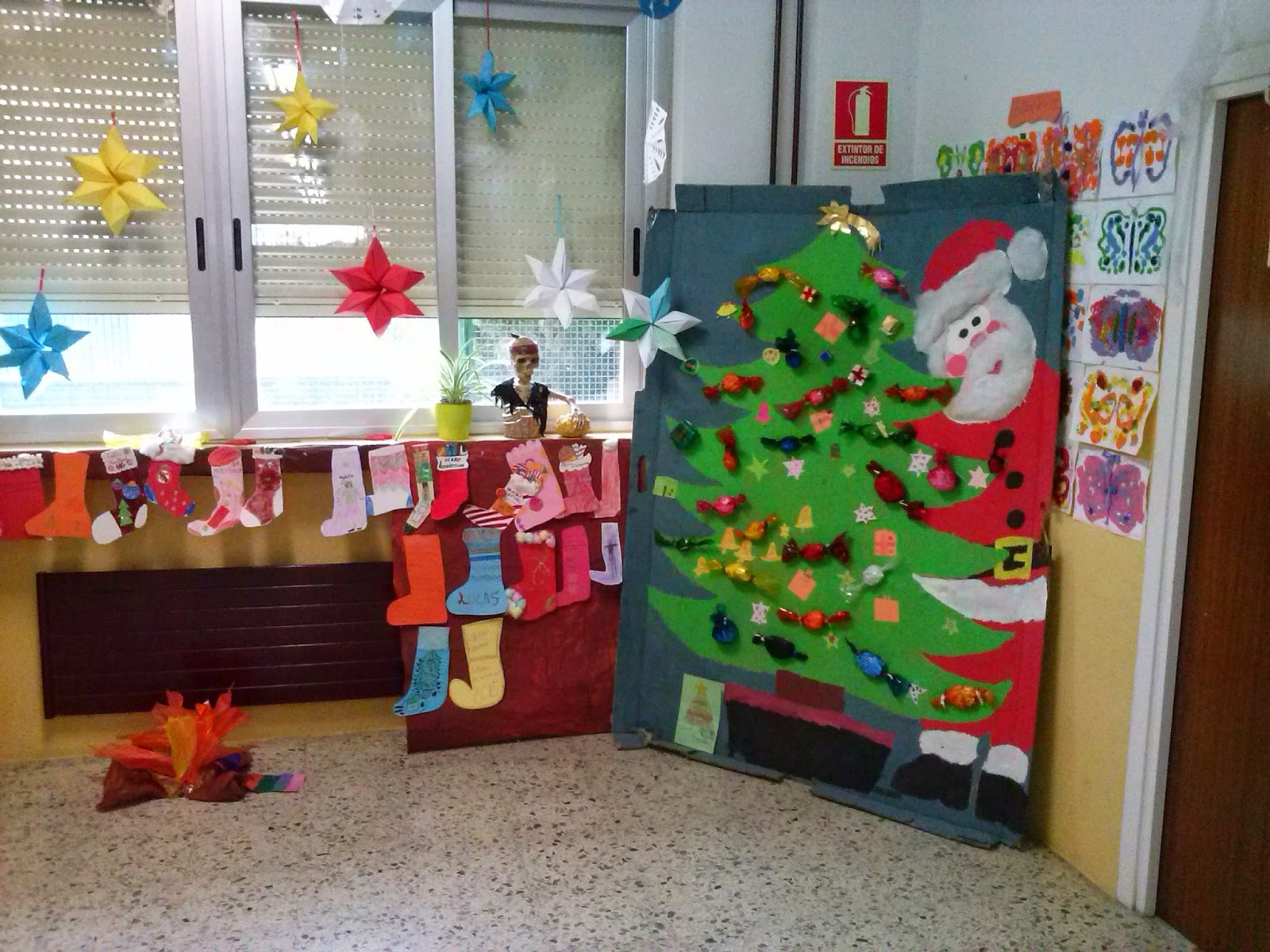 Infantil aula 3 a os decoraci n navide a colegio - Decoracion navidena infantil ...