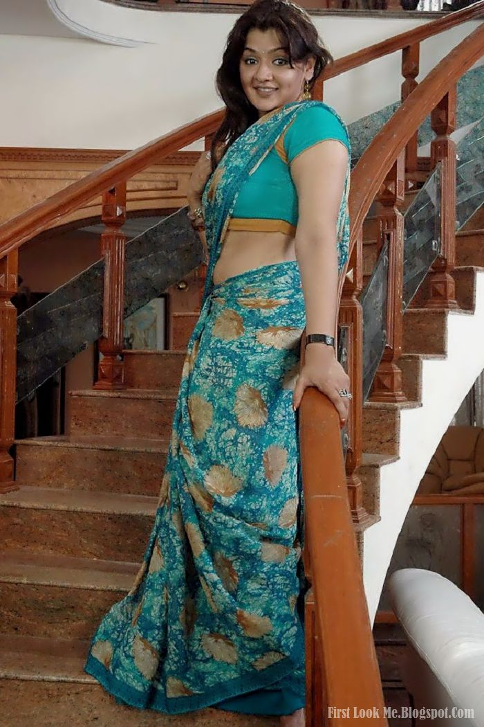 Sexy indian priya - 1 6