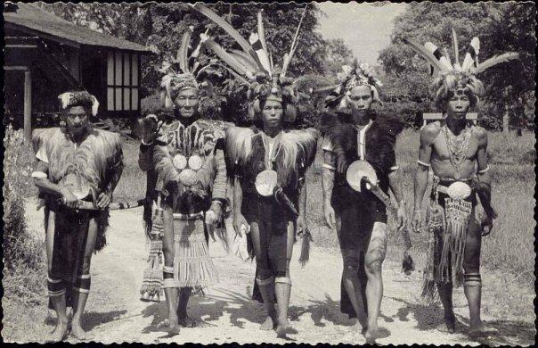 Borneo Etnik dan Budaya: Profil orang dayak tempo dulu