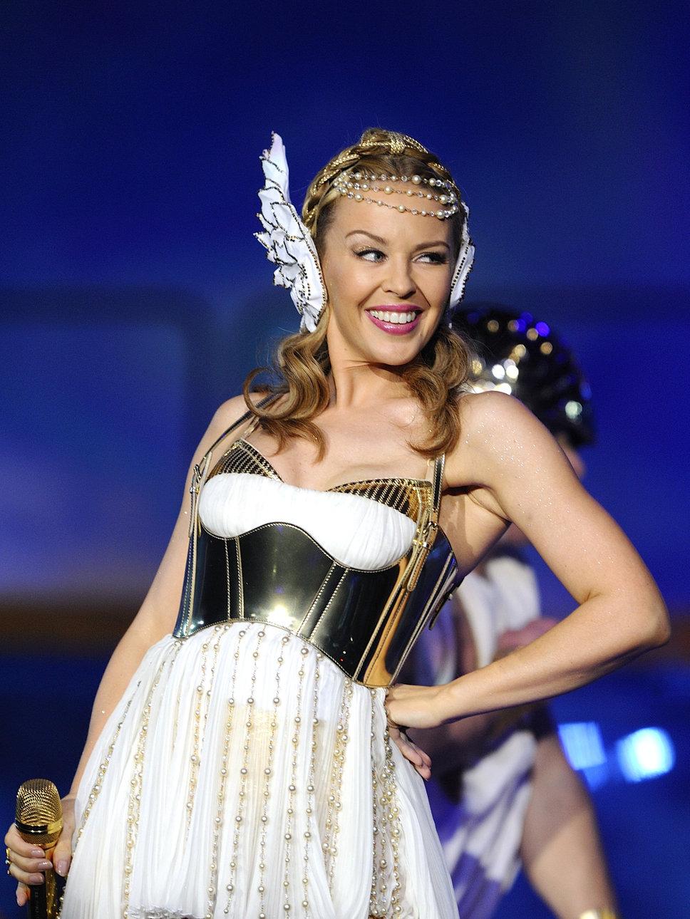 Mariah carey alicia keys amp tyra banks naked in hd - 4 1