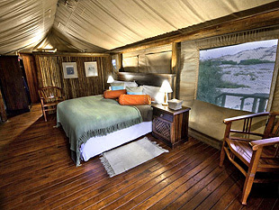 http://www.namibiareservations.com/hoanib_skeletoncoast_camp.html
