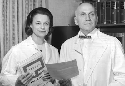 Black and white photograph of sexuality researchers William Masters and Virginia Johnson.