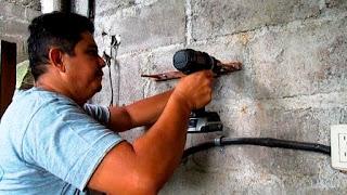 Colocación de pieza pequeña en pared