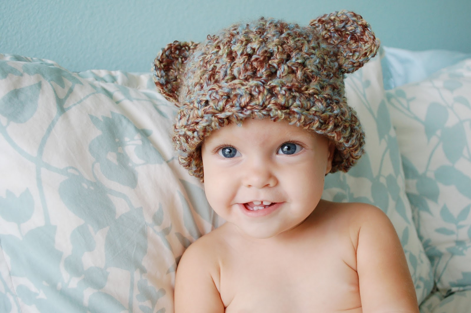 Alli Crafts: Free Pattern - Fuzzy Bear Hat With Ears - 9 ...