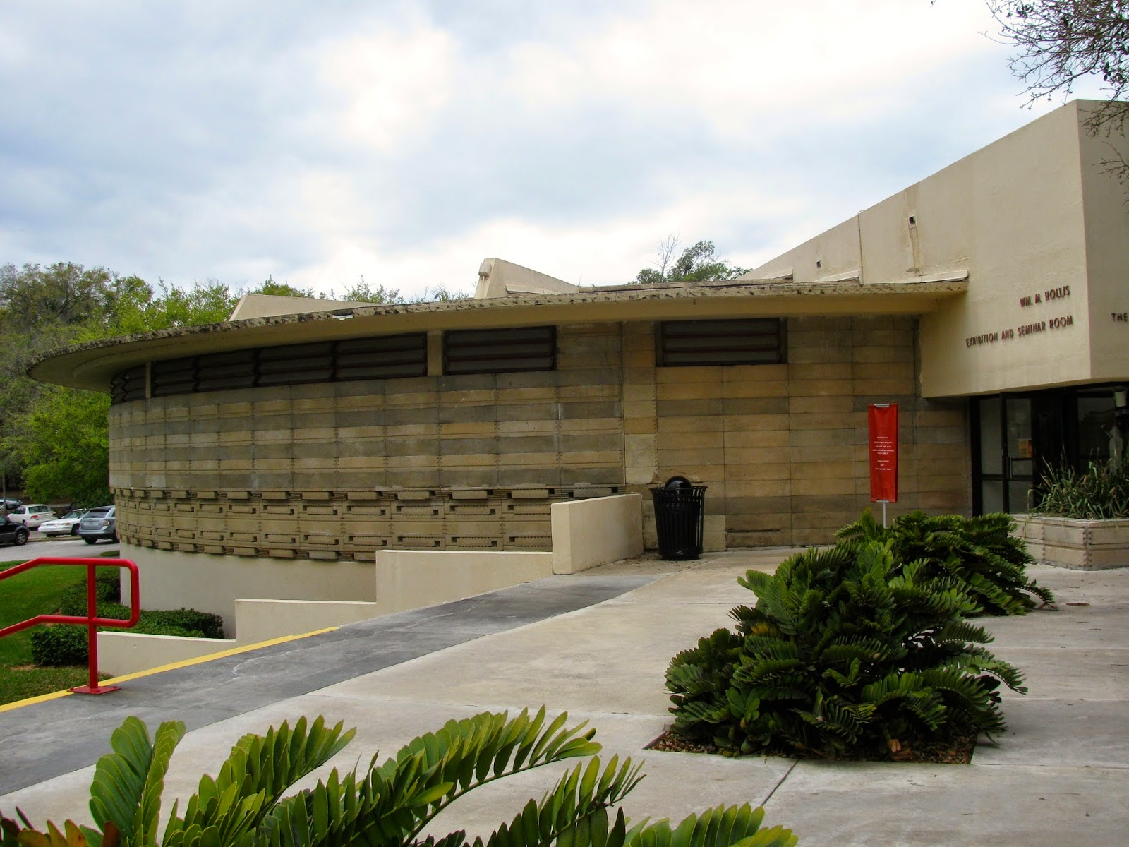 Excellence: Frank Lloyd Wright's Southern Florida College pt. 1