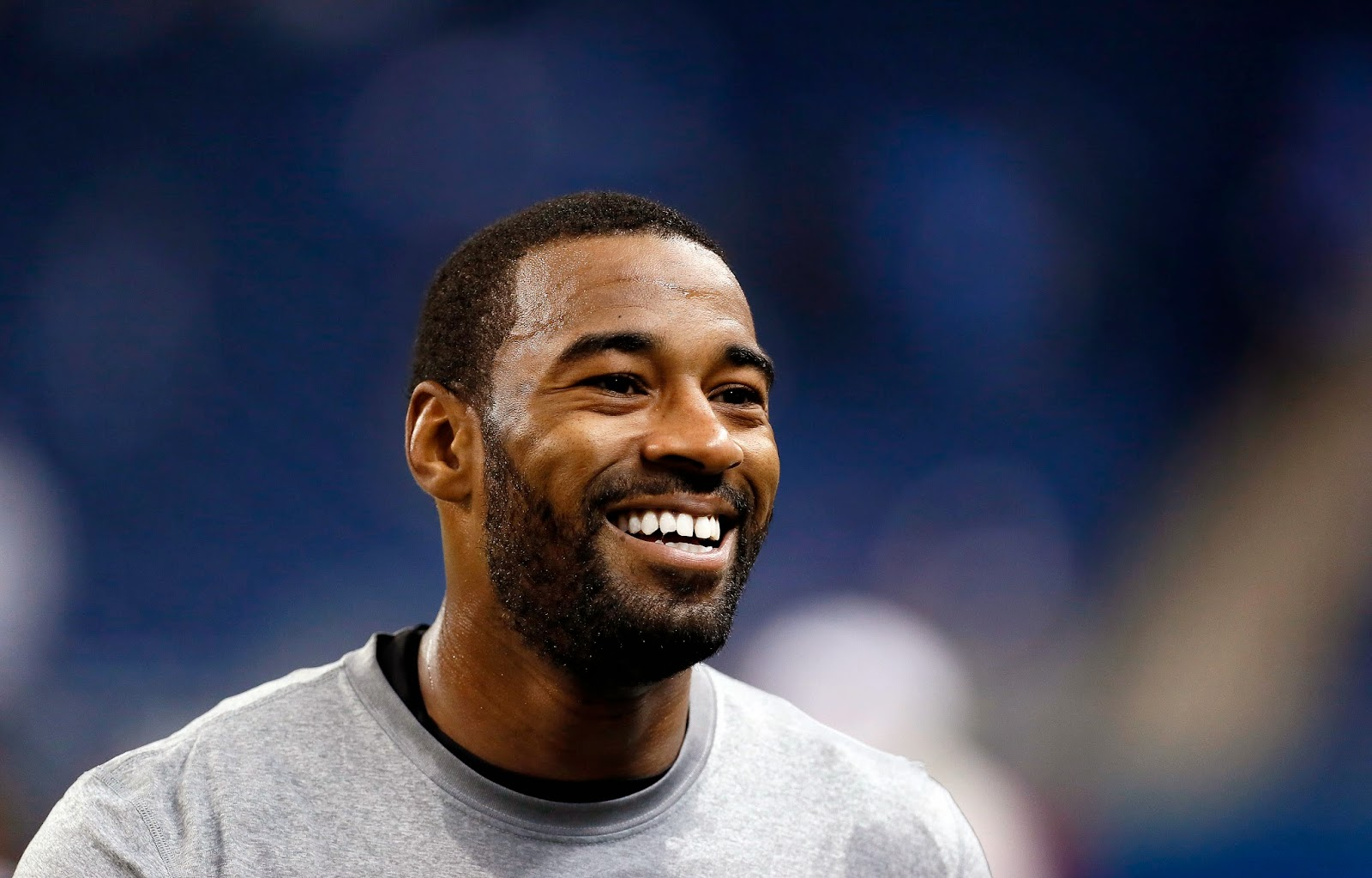 Detroit Lions Calvin Johnson proposes to girlfriend