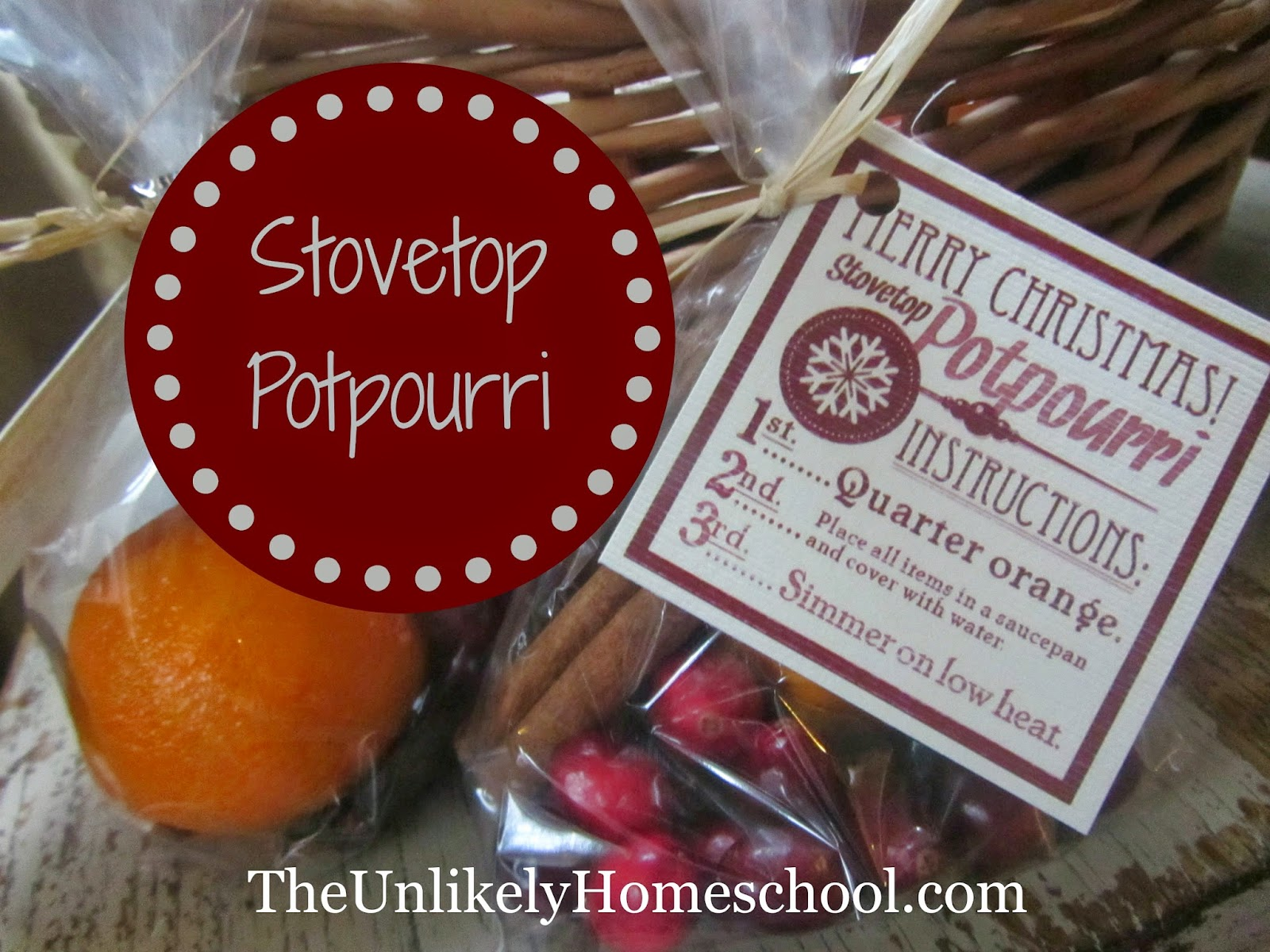 Stovetop Potpourri with Printable Tag. Makes for a great gift for Sunday School teachers or club volunteers {The Unlikely Homeschool}