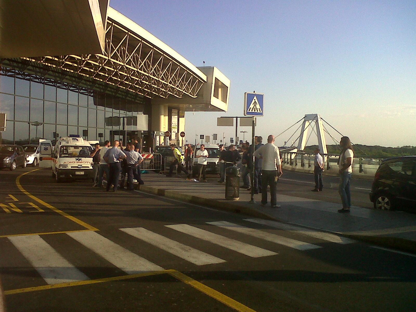 Aeroporto Milano Malpensa : News uomo muore nell aeroporto di malpensa dopo aversi