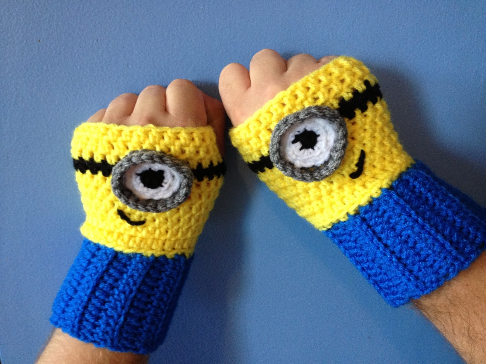Crochet Pattern Minion : My Crocheted World: Despicable Me Minion Crochet Doll