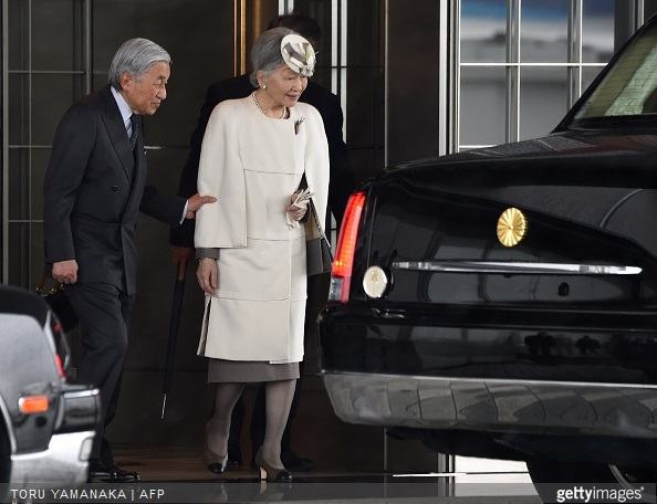 Japanese Emperor Akihito and Empress Michiko prepare to depart to Palau from Tokyo International Airport