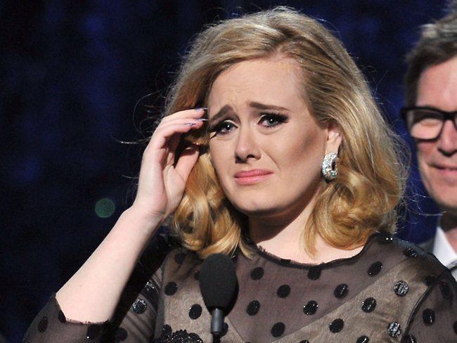 Adele dejó de fumar por miedo a morir