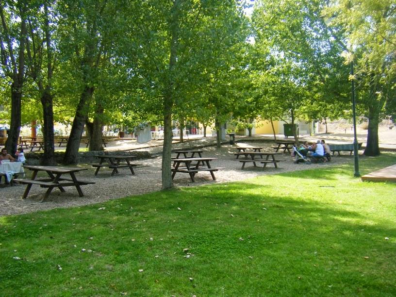 Parque de Merendas com sombra