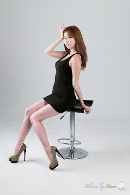 Shin Se Ha Sexy in Black