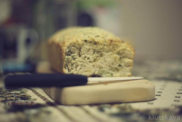 Сырный хлеб с укропом на пиве (духовка)