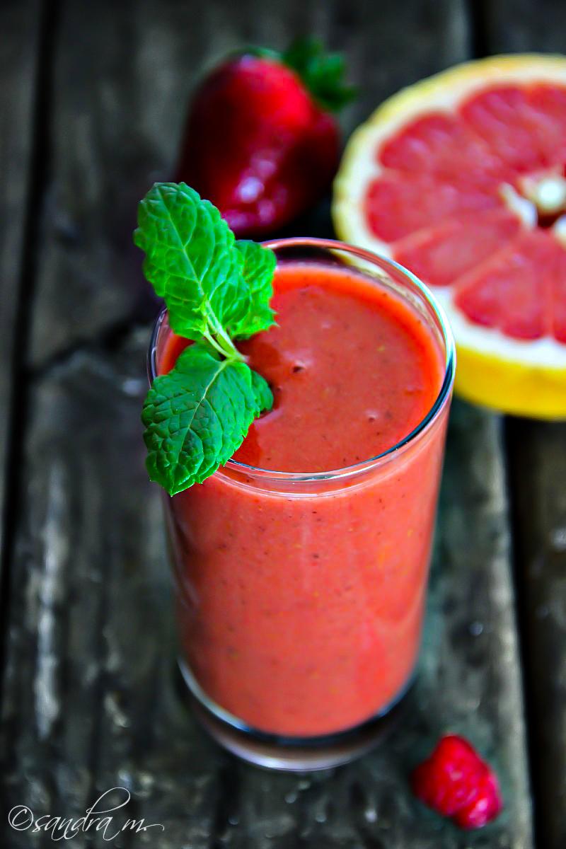Strawberry, Raspberry, Kiwi, Clementine Smoothie #Recipe