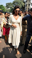 Actress Deepika Padukone Pictures at Siddhivinayak Temple visit in Mumbai 0006.jpg