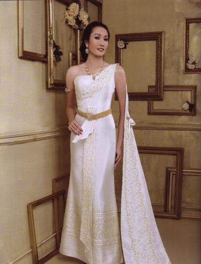 Wedding in Thailand: Thai Wedding Dresses
