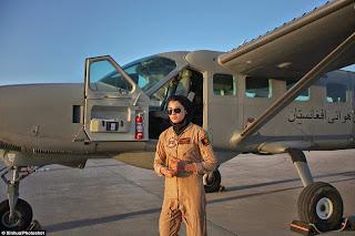 pilot tempur wanita afganistan