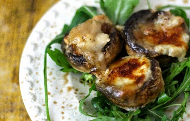 Receita de cogumelos com queijo de cabra e rucula