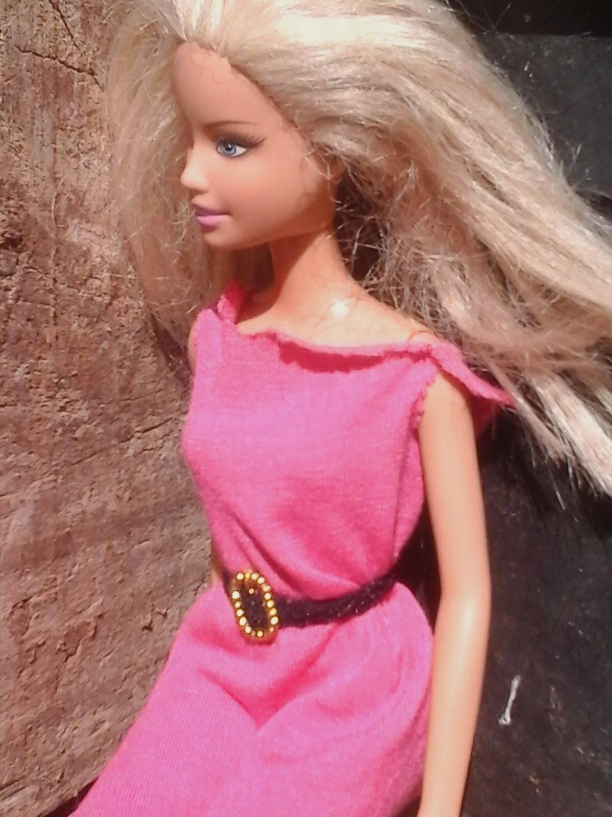 Barbie modelo loira