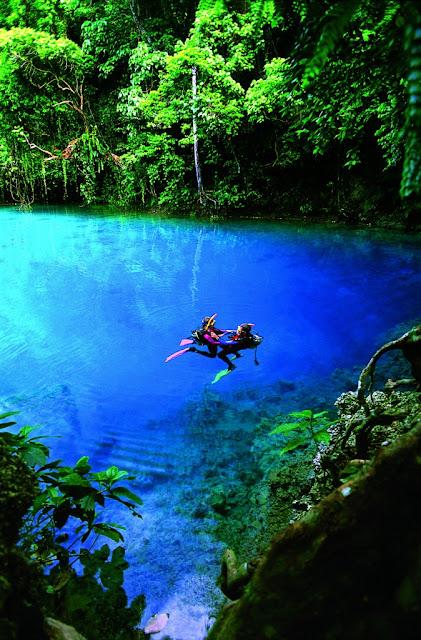 Lugares increibles y hermosos del mundo dralive for Crystal water piscinas