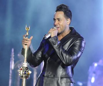 Tremendo concierto de Romeo Santos en el Estadio Olimpico en Santo