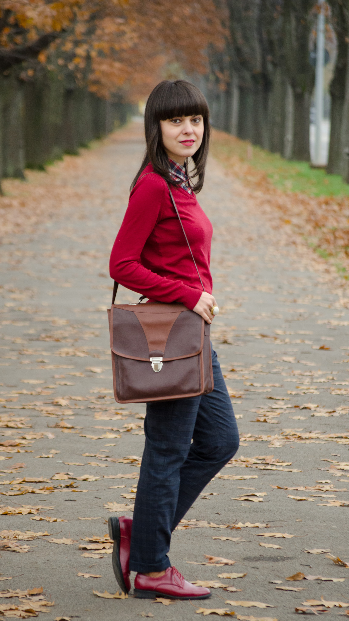 tartan boyish corporate look zara pants burgundy man shoes poema brown bag satchel fake shirt sweater koton thrifted